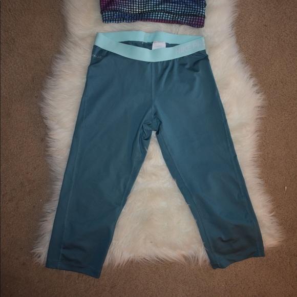 93f356c5e7911b Turquoise Crop Nike Pro Leggings. M_5b57effb2830953939446140
